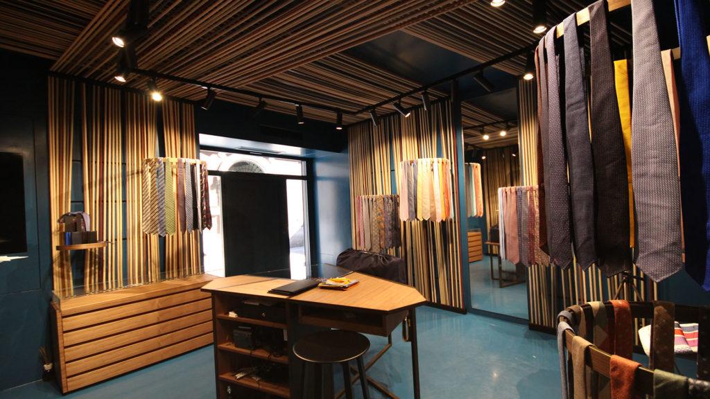 General contractor luxury retail