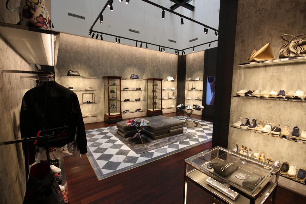 General contractor luxury retail Hogan