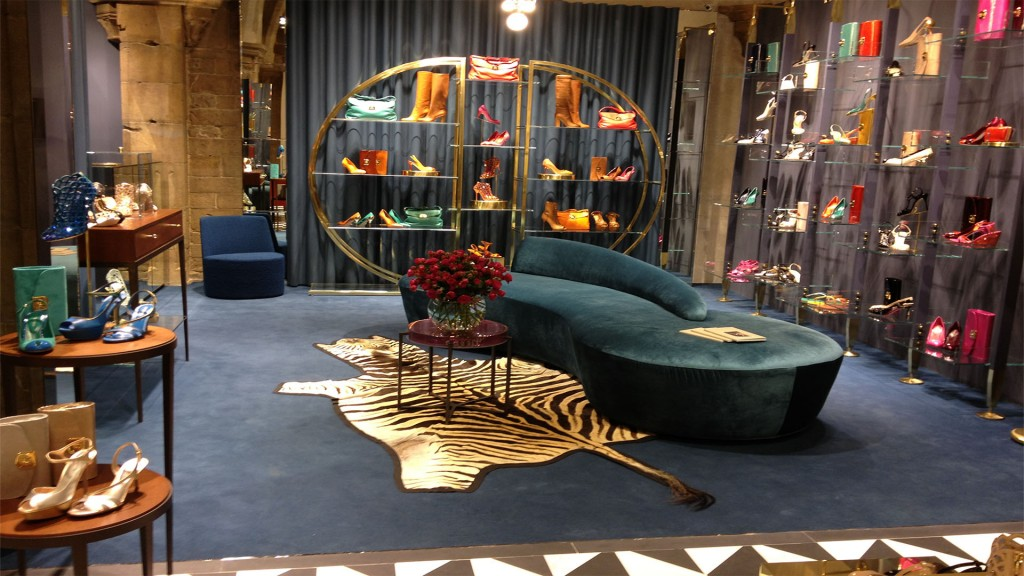 General contractor luxury retail for Sergio Rossi