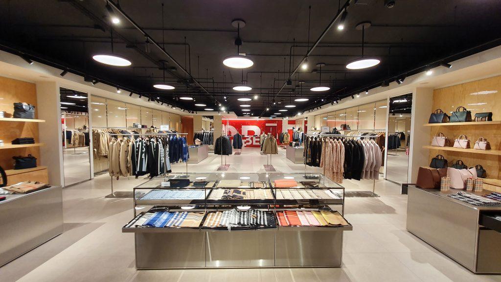 General contractor luxury retail Burberry